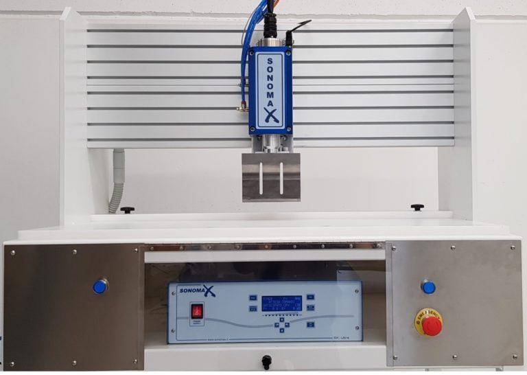 Impianto semiautomatico con sistema di taglio